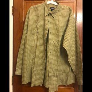 Men's organic cotton Patagonia long sleeve shirt